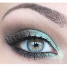 Pretty mint eyeshadow!