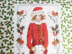 Купить Девочка Зима новогодний интерьер вышитая наволочка декоративная в интернет магазине на Ярмарке Мастеров