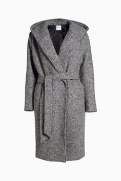 Love the cut and colour of this coat.
