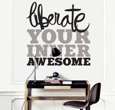 Pared blanca on pinterest frases design and food - Decoracion paredes interiores ...