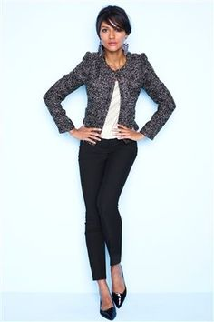 Work outfit concept - Black ankle pants, heels, and tweed blazer Carrie, Pretty Outfits, Work Outfits, Office Outfits, Office Wear, Boucle Jacket, Chanel, Work Looks, Work Wardrobe