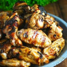 Looking for Fast & Easy Appetizer Recipes, Chicken Recipes, Main Dish Recipes! Recipechart has over free recipes for you to browse. Find more recipes like Garlicky Lemon Cuban Chicken Wings. Cuban Chicken, Chicken Wing Recipes, Lemon Chicken, Coke Chicken, Oregano Chicken, Chicken Wing Sauces, Turkey Recipes, Paleo Recipes, Cooking Recipes