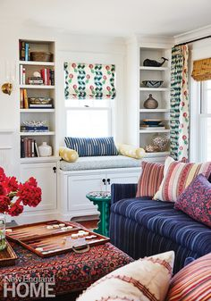 Home Decoration Ideas For Diwali A Colorful Maine Beach House by Katie Rosenfeld.Home Decoration Ideas For Diwali A Colorful Maine Beach House by Katie Rosenfeld Maine Beaches, New England Homes, Fabric Houses, Extra Seating, House And Home Magazine, Cheap Home Decor, Great Rooms, Living Spaces, Living Rooms