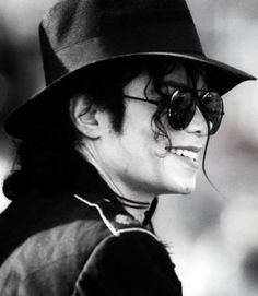 """Michael was magic, pure and simple. He was a man who believed in the goodness of mankind and embodied pure unncondicional love for the world. (..) Michael believed in Magic, he believed that we could change the world, and he had such unconditional love that when you were around him, you couldn't help but believe it too."" Kellie Parker - Katie from ""Moonwalker"""