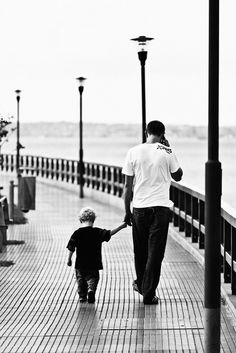 I can not wait to walk with my kid(s) beside amazing bodies of water... I would not be on the phone thou... They would have all my attention!