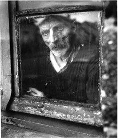 Miner with silicosis (Lens, Pas-de-Calais, France, Willy Ronis full feature / παρουσίαση Willy Ronis, Vintage Photography, Street Photography, Portrait Photography, Creative Photography, Robert Doisneau, Brassai, Social Art, French Photographers
