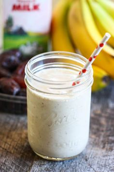 The Pregnancy Smoothie {Banana, Peanut Butter & Date}--sounds yummy, even though I'm not preggers
