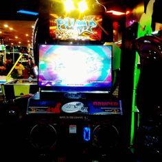 By carolina_poe: Martes de pump  #pumpitup #andamiro #pumper #hard #crazy #speed #stomp  #onyourmark #dance #dontstopdancing  #groove #move #cardio #dancer  #fiesta2 #insertcoin #ppp #nx2 #letmeseeyoudance  #game #play #arcade #techno  #machine  #2x1 #instapic #music #x3 #arcade #micrhobbit