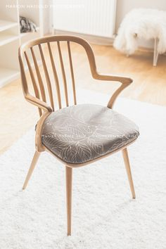 DIY Upcycling – Wie man ein Stuhlpolster neu bezieht Marion's Blog | Marion's Blog #Stuhl #Flohmarkt #Sperrmüll #polstern #upholster