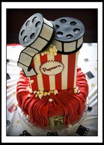 This couple loves the movies :) #chicagoweddingplanning #weddingcakes #moviesandpopcorn