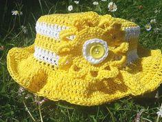 Oui Oui, Cowboy Hats, Crochet Hats, Couture, Lifestyle, Voici, Fashion, Crochet Hat Patterns, Kids Crochet