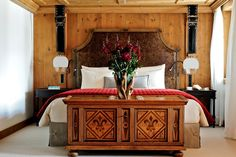 The best boutique hotels in Gstaad. Find a boutique hotel Gstaad and book with Splendia to benefit exclusive offers on a unique selection of hand picked small luxury hotels. Best Boutique Hotels, Small Luxury Hotels, Beautiful Hotels, Beautiful Bedrooms, Lounge Areas, Bedroom Styles, Home Bedroom, Master Bedrooms, Log Homes
