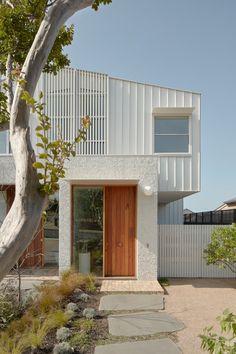 Architecture Design, Australian Architecture, Australian Homes, Facade Design, Residential Architecture, Exterior Design, House Design, House Cladding, Exterior Cladding