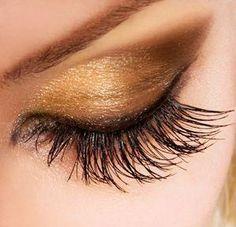 #makeup #beauty #glitter #smokey #eye #diy #prom #wedding #look #eye #eyeshadow #ideas #beautiful #blue #cat #eelegant #sophisticated