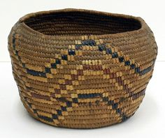 Pitt River Salish Basket | The zig zag pattern extends entirely around the exterior of the basket, and is known as 'fish entrails'.