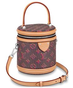 How To Find Cheap Designer Bags👜 Louis Vuitton Store, Louis Vuitton Belt, Pre Owned Louis Vuitton, Louis Vuitton Monogram, Cowhide Leather, Calf Leather, Cheap Designer Bags, Popular Purses, Handbags Online Shopping