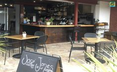Jose Jones 2515 Restaurant & Bar / Cafe is located in Thirroul Beach Motel serving beautiful healthy food - mostly organic, plus craft beers.