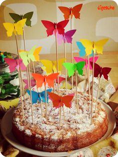 Meine Tochter hatte gestern Geburtstag. Und auch wenn sie mit 19 aus der Kindergeburtstagszeit mittlerweile herausgewachsen ist, hat sie sich über die Schmetterlinge auf ihrem Kuchen sehr gefreut. Diese Aktion ist mir kurzfristig eingefallen, weil ich den Kuchen so zu … weiterlesen
