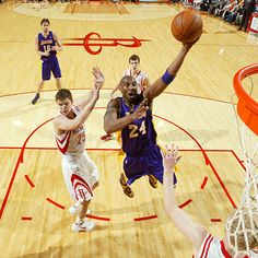 Kobe Bryant goes up with the left in the Lakers' 107-104 loss in Houston. Bryant scored 29 in the setback. #NBA