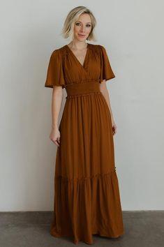 Chiffon Material, Satin Material, Off Shoulder Fashion, Green Maxi, Maxi Styles, Classy And Fabulous, Floral Maxi Dress, Beautiful Dresses, Short Sleeve Dresses