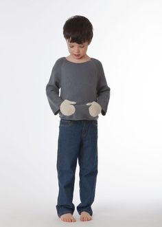 The pockets are shaped like little mittens :) Hug Me Sweater - blue. L'oeuf.