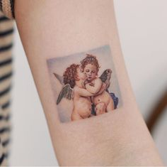 "8 Meaningful ""Baby Tattoo"" Design for Parents Who Want to Honor Their Children! - Wormhole Tattoo 丨 Tattoo Kits, Tattoo machines, Tattoo supplies Baby Tattoos, Family Tattoos, Body Art Tattoos, Small Tattoos, Tatoos, Sleeve Tattoos, Wing Tattoos, Couple Tattoos, Foot Tattoos"