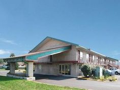 Columbus (OH) Econo Lodge United States, North America Ideally located in the prime touristic area of Hilltop, Econo Lodge promises a relaxing and wonderful visit. The hotel offers a wide range of amenities and perks to ensure you have a great time. Facilities for disabled guests, Wi-Fi in public areas, car park, newspapers, laundry service are there for guest's enjoyment. Telephone, television, satellite/cable TV, refrigerator, separate shower and tub can be found in selected...