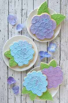 Hydrangea Cookies - Glorious Treats -- just in case i get bored and decide to master the art of frosting cookies to look like flowers