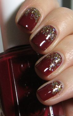 Essie Size Matters as base, China Glaze Medallion for gradient