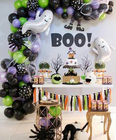 Awesome Halloween Decor Ideas With Balloons To Try Right Now Spooky Halloween, Halloween Balloons, Halloween Party Games, Halloween Activities, Diy Halloween Decorations, Holidays Halloween, Halloween Themes, Halloween Crafts, Halloween Dessert Table