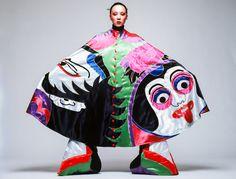 Before Issey Miyake and Rei Kawakubo there was Kansai Yamamoto, the often-overlooked Japanese fashion designer who was catapulted into the . Design Textile, Art Textile, Rei Kawakubo, Kansai Yamamoto, Yohji Yamamoto, Ziggy Stardust, Glam Rock, British Magazines, Japanese Fashion Designers