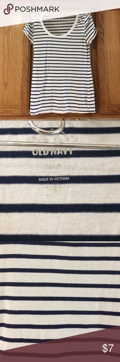Navy and white stripe tee Navy and white stripe top from old navy Old Navy Tops Tees - Short Sleeve