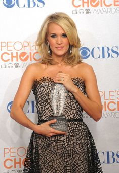 Carrie Underwood Hair. Thinking of cutting mine like this...