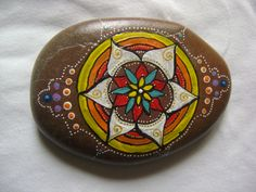 pietre decorate a mano  painted stone mandala