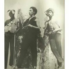 *The Wailers* More fantastic pictures, music and videos of *Bob Marley &… Bob Marley Legend, Reggae Bob Marley, Bob Marley Pictures, Marley Family, Love Is My Religion, Funk Bands, Peter Tosh, Jah Rastafari, Robert Nesta