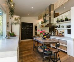 """Patrick Dempsey's Kitchen in Frank Gehry-Designed """"Tin House"""" in Malibu (listing photo) / hookedonhouses.net"""