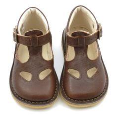 GrowingFeet.dk - PèPè lukket sandal i brun £113