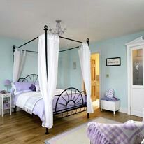 love this room color