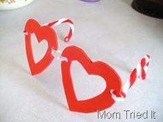 Soooo cute! Valentine's Day glasses for the girls...