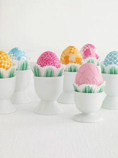Washiteipillä pirteän näköisiä munia :)