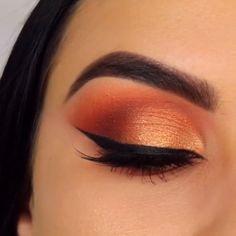 #mua #beauty #glam #glamgodess #makeup #makeupinspo #DarkCirclesMakeup Gold Eye Makeup, Glam Makeup, Pretty Makeup, Skin Makeup, Makeup Inspo, Eyeshadow Makeup, Makeup Inspiration, Beauty Makeup, Makeup Style