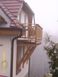 Holzbalkon um die Aussicht zu genießen oder einfach nur um bei schönem Panorama beim Frühstück in den Tag zu starten.