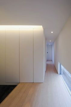 Interior of the House in Himeji by Hiroshi Yoshikawa Architects Design Office. Nice clean lines.