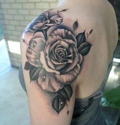 20 Mejores Imágenes De Tatuajes De Rosa En El Hombro Rose On