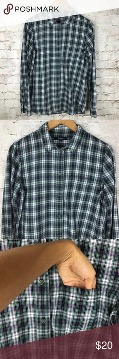 MADEWELL slim boyshirt in Lawndale plaid MADEWELL Women's slim boyshirt in Lawndale plaid flannel Button Down Excellent condition  Size: Medium  Material: 100% Cotton  Pit to Pit: 19 inches  Neck Line to Bottom: 27 1/2 inches  Shoulder to Cuff: 25 inches Madewell Tops Button Down Shirts
