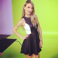 Gracias a mis amigos de @stylelinkmiami por este hermoso vestido de hoy!!! #shooting  #makeups by @mjmakeupstyle