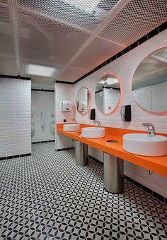The Best Modern Home Office Design Elements Wc Design, Interior Design, Gym Interior, Sherwin Williams Repose Gray, Commercial Bathroom Ideas, Wc Public, Banks Office, Toilette Design, Lavatory Design