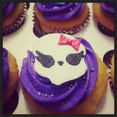 Monster cup cake