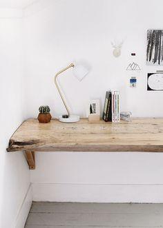 Fai da te: Live Edge Wood Desk - Fai da te e fai-da-te in legno - Fai da te: Live Edge . - Fai da te: Live Edge Wood Desk – Fai da te e fai-da-te in legno – Fai-da-te: Live Edge Wood Desk - Home Office Design, Office Decor, Office Designs, Diy Office Desk, Office Nook, Workspace Design, Small Office, Diy Wood Desk, Wood Table