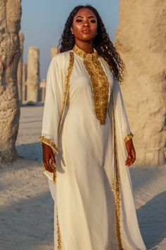 2 Piece Kaftan & Abaya Set Beautifully Hand-stitched & heavily Hand-beaded to perfection to bring out the True Queen in you. Note✨ Blings Outdoor ✨ Can Muslim Fashion, Modest Fashion, Hijab Fashion, Fashion Dresses, Fashion Tips, Fashion Mask, Ethiopian Traditional Dress, Traditional Dresses, Modest Dresses